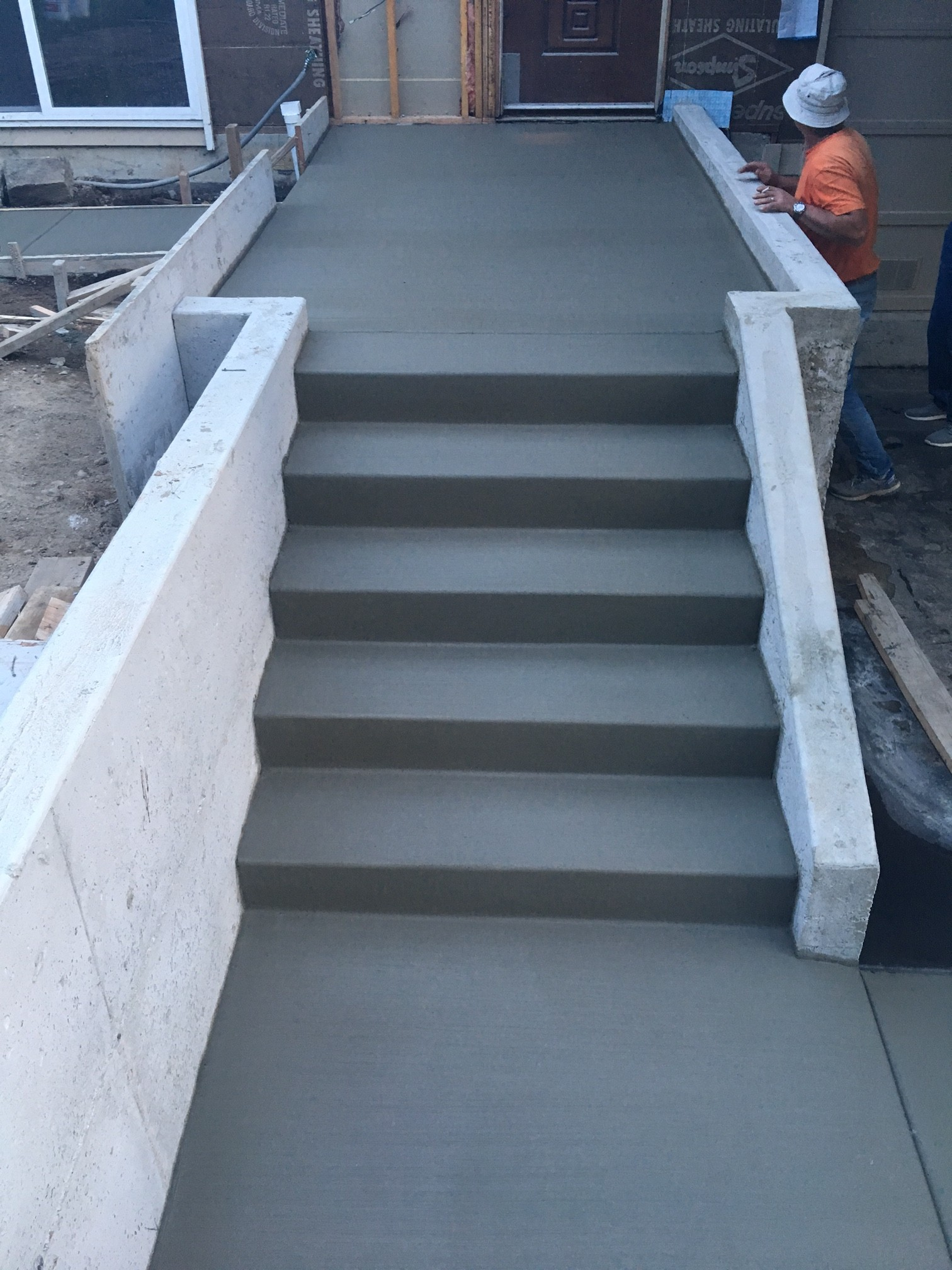 Concrete contractor seattle kirkland bellevue redmond for Concrete home contractors
